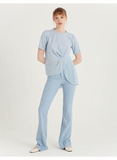 BGN Buz Mavisi - Pli Detaylı Bluz Mavi